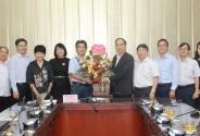 Trường Đại học Dược Hà Nội định hướng phát triển là Trường Đại học nghiên cứu kết hợp thực hành nghề nghiệp