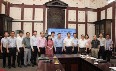 Bộ Y tế làm việc với Trường Đại học Dược Hà Nội