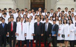 Lễ trao Áo trắng – Đại học VinUni