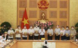 Thủ tướng gặp gỡ bác sỹ, nhà khoa học, nhà giáo trong lĩnh vực y tế